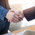 Business handshake - Buying property in Valencia