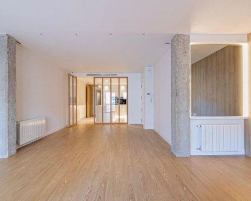 renovated apartment in Pla del Remei - € 750.000