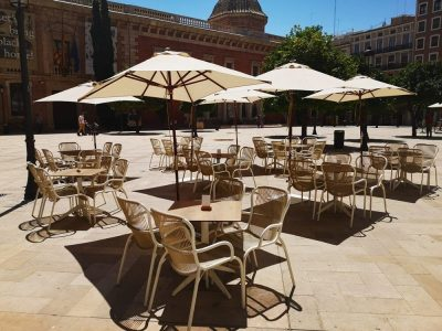 relaxing in valencia city center - lateral patriarca